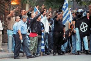 Manifestantes de partido fascista griego Amanecer Dorado - Fuente : El mundo