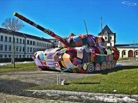 Museo Militar de Desden. Kristina Kromer y Barbara Niklas en colaboración con otras 60 personas. Fotografía de: Chauncey Photography